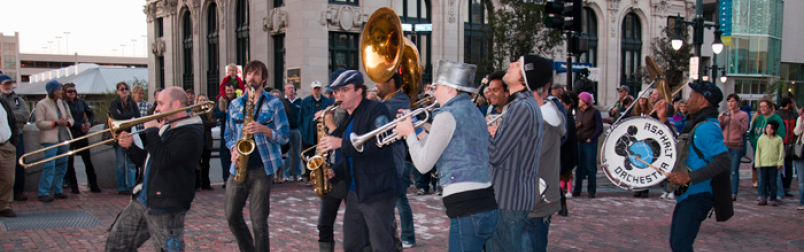be a performing arts organization member in Maine